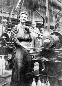 Lőszergyári munkásnő Pestszentlőrincen az I. világháború alatt